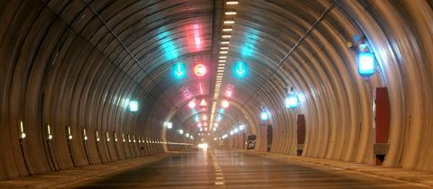 Ansicht eines Tunnels für den Straßenverkehr