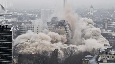 Die Sprengung des Frankfurter AfE-Turm im Jahr 2014