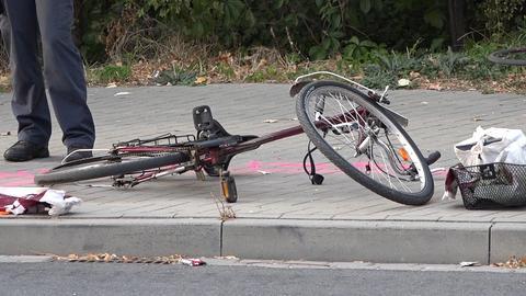Das Fahrrad der verunglückten 83-Jährigen auf der L3123