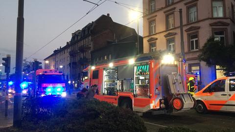 Einsatzkräfte an der Haltestelle Ostendstraße.