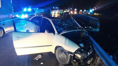 Unfall auf B83 bei Alheim