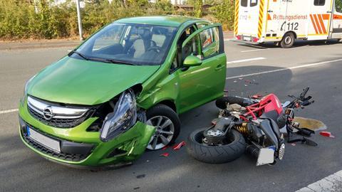 Rettungseinsatz an der Unfallstelle in Bad Hersfeld