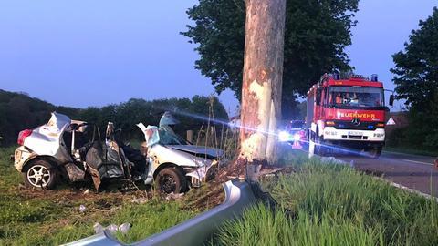 Bei dem Unfall auf der L3078 in Diemelsee kamen zwei Menschen ums Leben