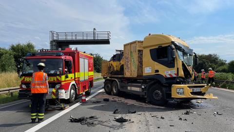 Auffahrunfall auf A5 bei Friedrichsdorf (Hochtaunus)