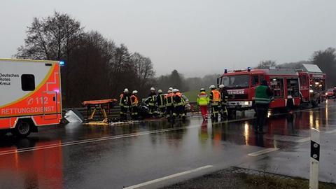 Einsatzkräfte an der Unfallstelle
