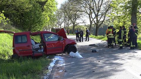 Die Straße am Unfallort war mehrere Stunden gesperrt.