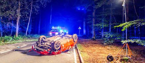 Das Auto nach dem Unfall bei Hofheim.