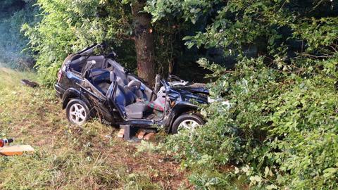 Der Wagen wurde bei dem Unfall zerstört.