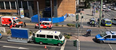 Die Kurt-Schumacher-Straße wurde für die Unfallaufnahme gesperrt.