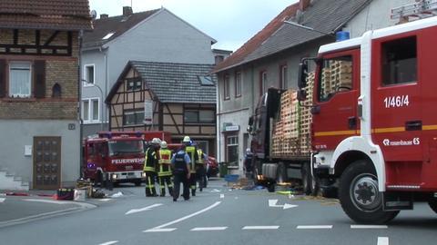 Einsatzkräfte am Unfallort in Mörlenbach