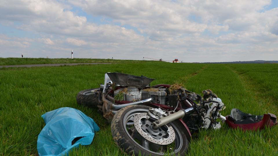 zwei motorradfahrer bei wetzlar schwer verletzt hessen am morgen. Black Bedroom Furniture Sets. Home Design Ideas