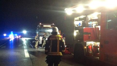 Autofahrer bei Zusammenprall mit Bus tödlich verletzt