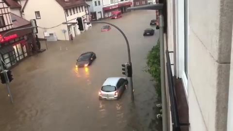 Überflutete Straßen nach Unwetter im Odenwald