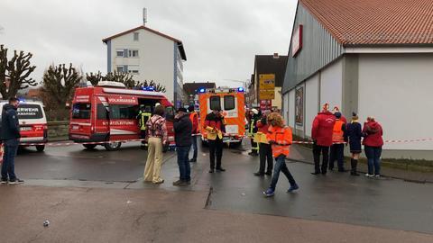 Auto fährt in Rosenmontagszug - mehr als zehn Verletzte in Volkmarsen