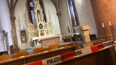 Polizeiabsperrung in der Kirche St. Marien in Volkmarsen