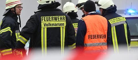 Einsatzkräfte am Tatort in Volkmarsen
