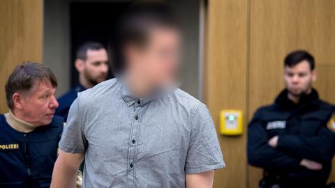 Der Marburger Waffenhändler vor Gericht