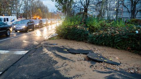Wasserrohrbruch in den Innenstadt von Wiesbaden