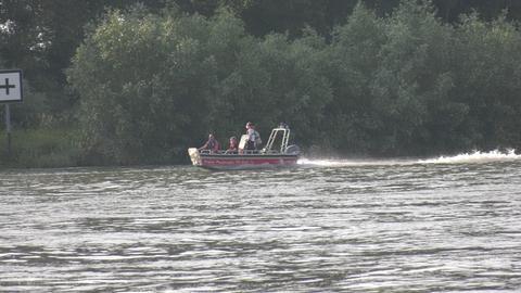 Feuerwehrboot in Gernsheim auf dem Rhein.
