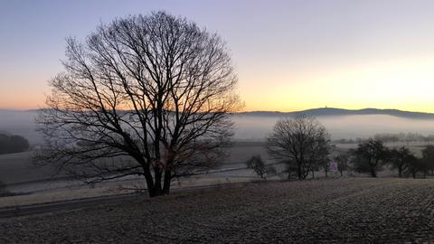 Blick auf den Feldberg von Idstein-Heftrich aus gesehen