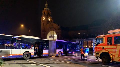 Der Unfall ereignete sich direkt am Bahnhofsvorplatz.