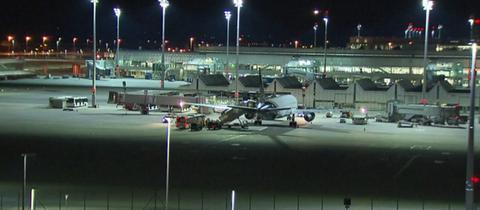 Sammelabschiebung nach Afghanistan vom Flughafen München aus.