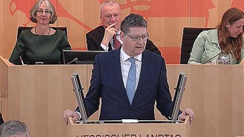 aktuelle-stunde-fluechtlingspolitik-schaefer-guembel