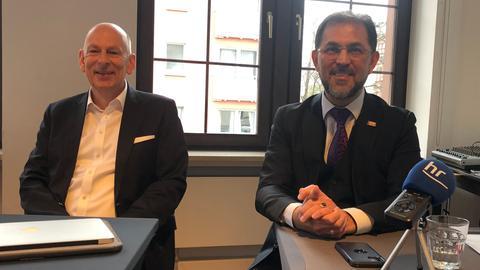 Mathias Mund (BFF) und Haluk Yildiz (BIG) bei einer Pressekonferenz