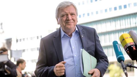 CDU-Vize Bouffier vor der Sitzung des CDU-Bundesvorstands in Berlin.