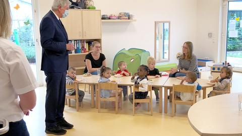 Ministerpäsident Bouffier zu Besuch in der Kindertagesstätte.