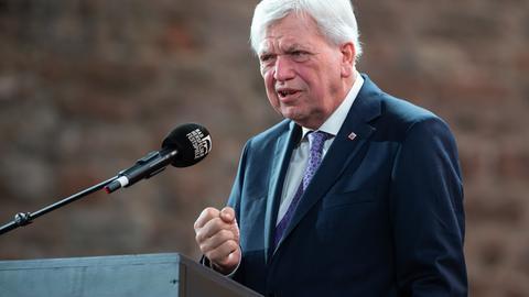 Ministerpräsident Bouffier bei den Bad Hersfelder Festspielen