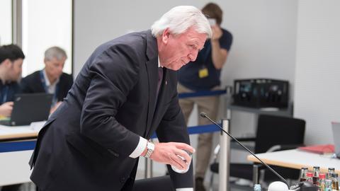 Ministerpräsident Bouffier am Montag im NSU-Ausschuss des Landtags.