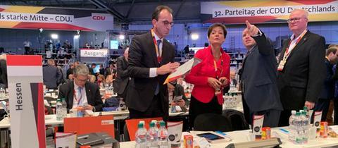 Delegierte aus Hessen auf dem CDU-Parteitag in Leipzig: Fraktionschef Boddenberg, Europaminister Puttrich, Generalsekretär Penz, Finanzminister Schäfer (v.l.n.r.)