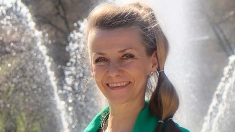 Sabine Debus