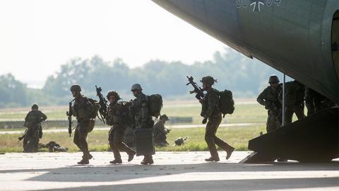 Soldaten der Division Schnelle Kräfte bei einer Übung