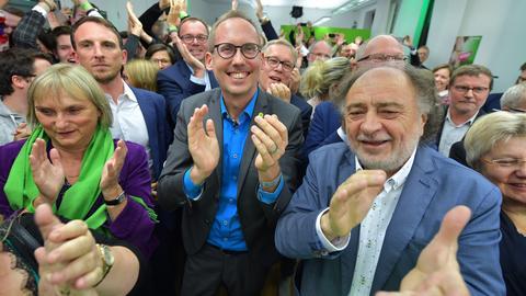 Haben Grund zu jubeln: Die Grünen bei ihrer Wahlparty in Wiesbaden