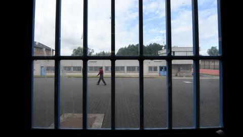 Jugendgefängnis Rockenberg - Blick durch Gitterstäbe