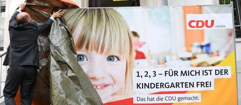 """Hessen-CDU-Plakat """"Für mich ist der Kindergarten frei"""""""