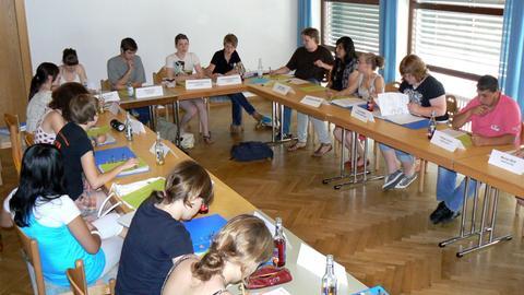 Kinder und Jugendliche des Kreisjugendparlaments des Vogelsbergkreises