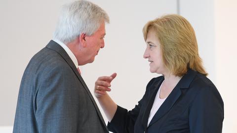 Justizministerin Kühne-Hörmann mit Ministerpräsident Bouffier.