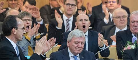 Männer sind im Hessischen Landtag - hier bei der Vereidigung von Ministerpräsident Bouffier (CDU) - klar in der Überzahl.