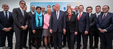 Ministerpräsident Bouffier (Mitte) mit seinen Kandidaten für M