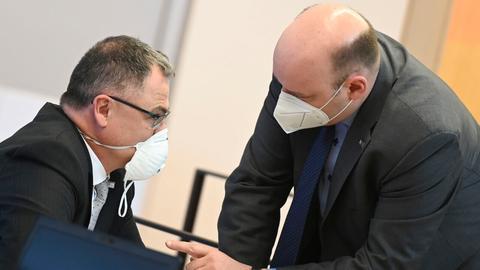 AfD-Fraktionschef Lambrou (r.) und sein Parteikollege Keko Scholz am Donnerstag im Landtag