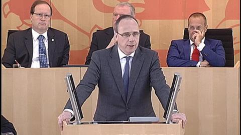2015-04-30 Debatte zur Bezahlung der Beamten