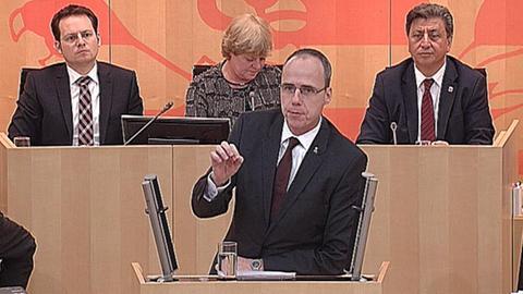 debatte-kampf-gegen-islamismus-beuth