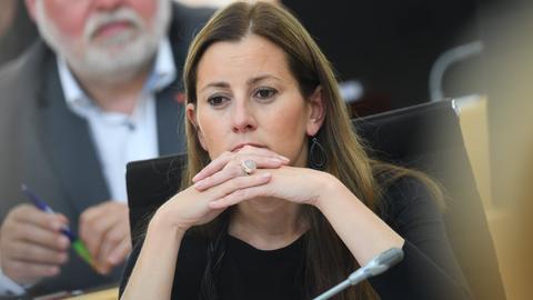 Linken-Fraktionschefin Janine Wissler im Landtag