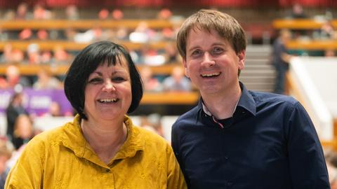 Gemeinsame Spitze: Petra Heimer und Jan Schalauske teilen sich von nun an den Landesvorsitz der hessischen Linken.