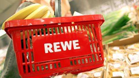 Rewe-Einkaufskorb mit Obst