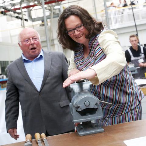 Norbert Blüm und Andrea Nahles bei Opel in Rüsselsheim