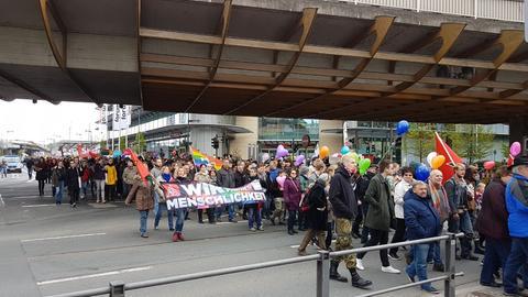 Gegendemo zu einer NPD-Demonstration in Wetzlar